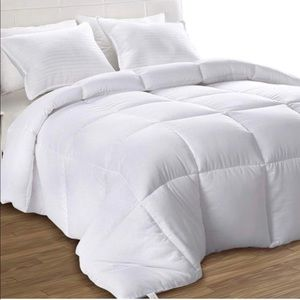White Down Alternative Quilted Comforter-King